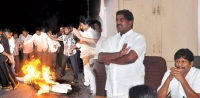 Ashok babu fire on seemandhra leaders