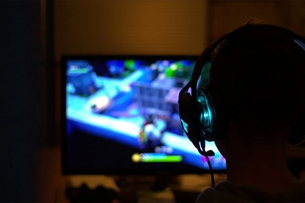 4 persons including chinese national arrested by hyderabad police for online gaming racket