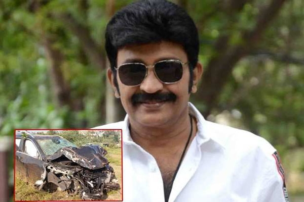 Hero dr rajasekhar escapes serious accident injury free
